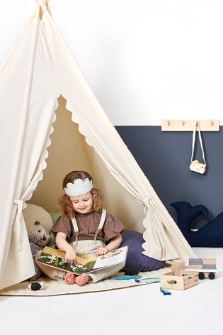 The Little Green Sheep Teepee Play Tent Natural