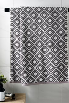 Diamond Geo Towels