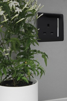 1 Gang 13amp Switched Socket by Trendiswitch
