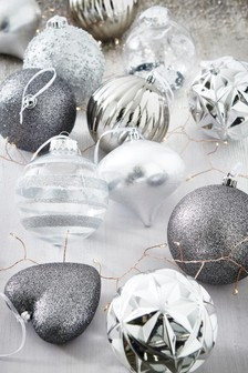 12 Pack Luxury Baubles