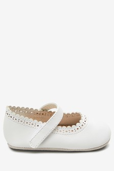 Brogue Mary Jane Pram Shoes (0-18mths)
