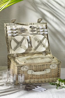 4 Person Country Filled Picnic Hamper