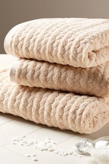 Natural Cosy Cable Knit Effect Towel