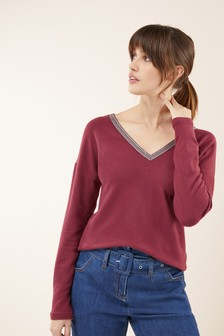 Cosy V-Back Top